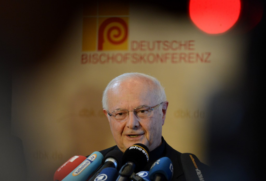 Archbishop Robert Zollitsch of Freiburg, president of the German bishops' conference, presents a statement to the media at the opening of the bishops' fall meeting Sept. 24 in Fulda, Germany. PHOTO: CNS/KNA-Bild