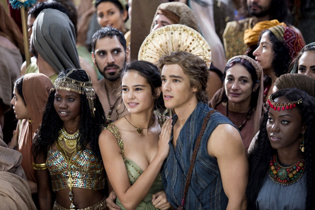 "Courtney Eaton and Brenton Thwaites star in a scene from the movie ""Gods of Egypt."" Photo: CNS/Summit Entertainment."