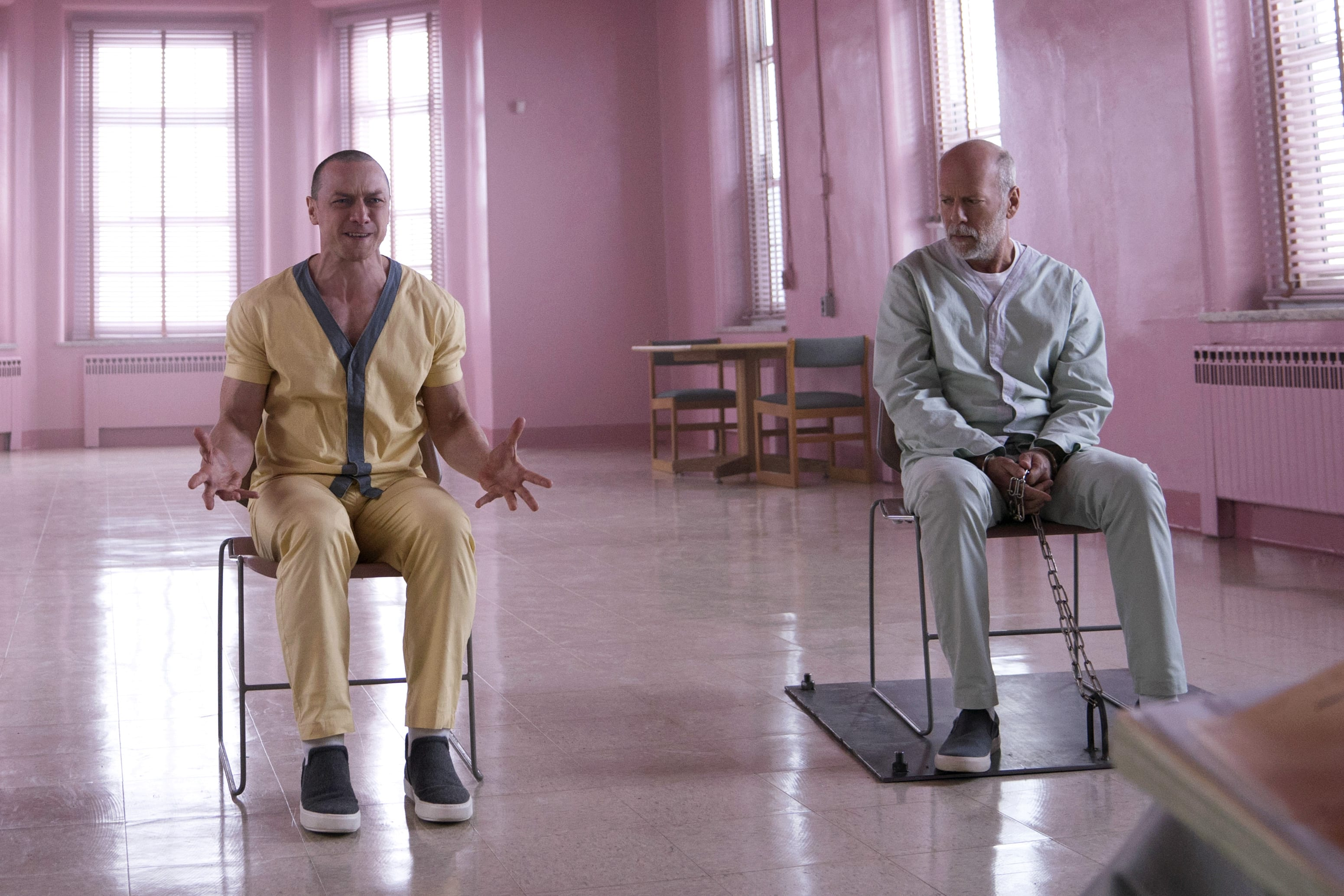 Samuel L Jackson, James McAvoy, Bruce Willis, and Sarah Paulson star in an asylum scene from the 2019 movie