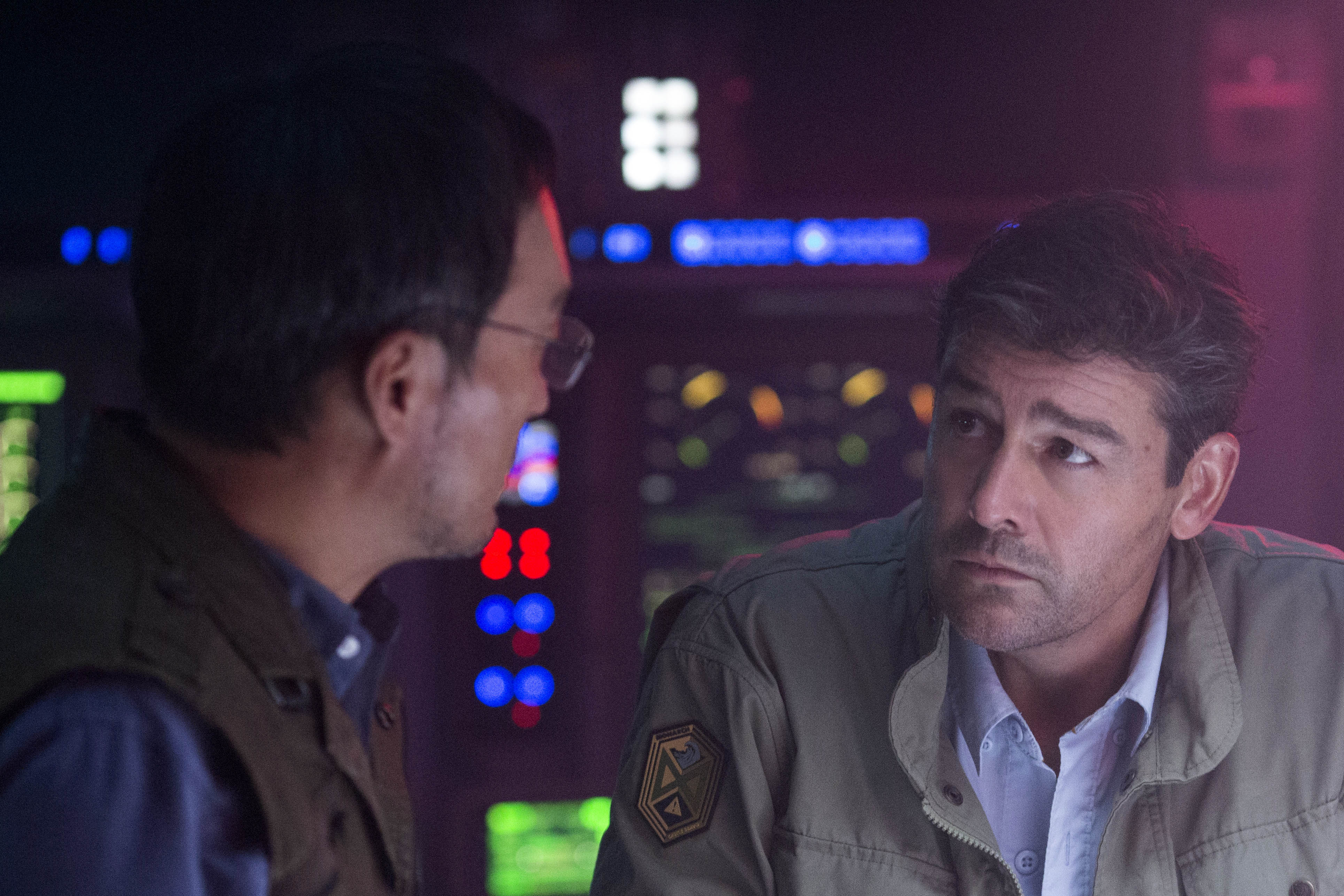 Ken Watanabe and Kyle Chandler star in a scene from the movie