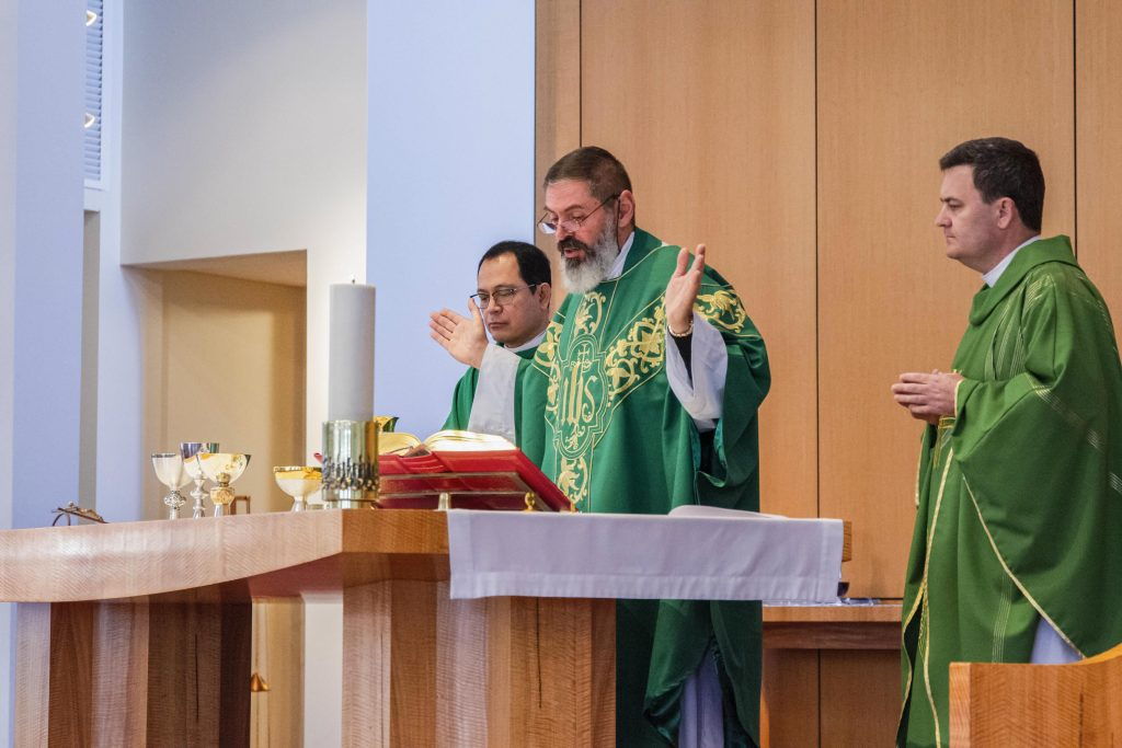 Fr Mark Rucci celebrates Thanksgiving Mass at Applecross Parish alongside Parish Priest Fr Nelson Po (left) and Fr Brendan Gormley (right) on Sunday 18 August. Photo: Matthew Lau.