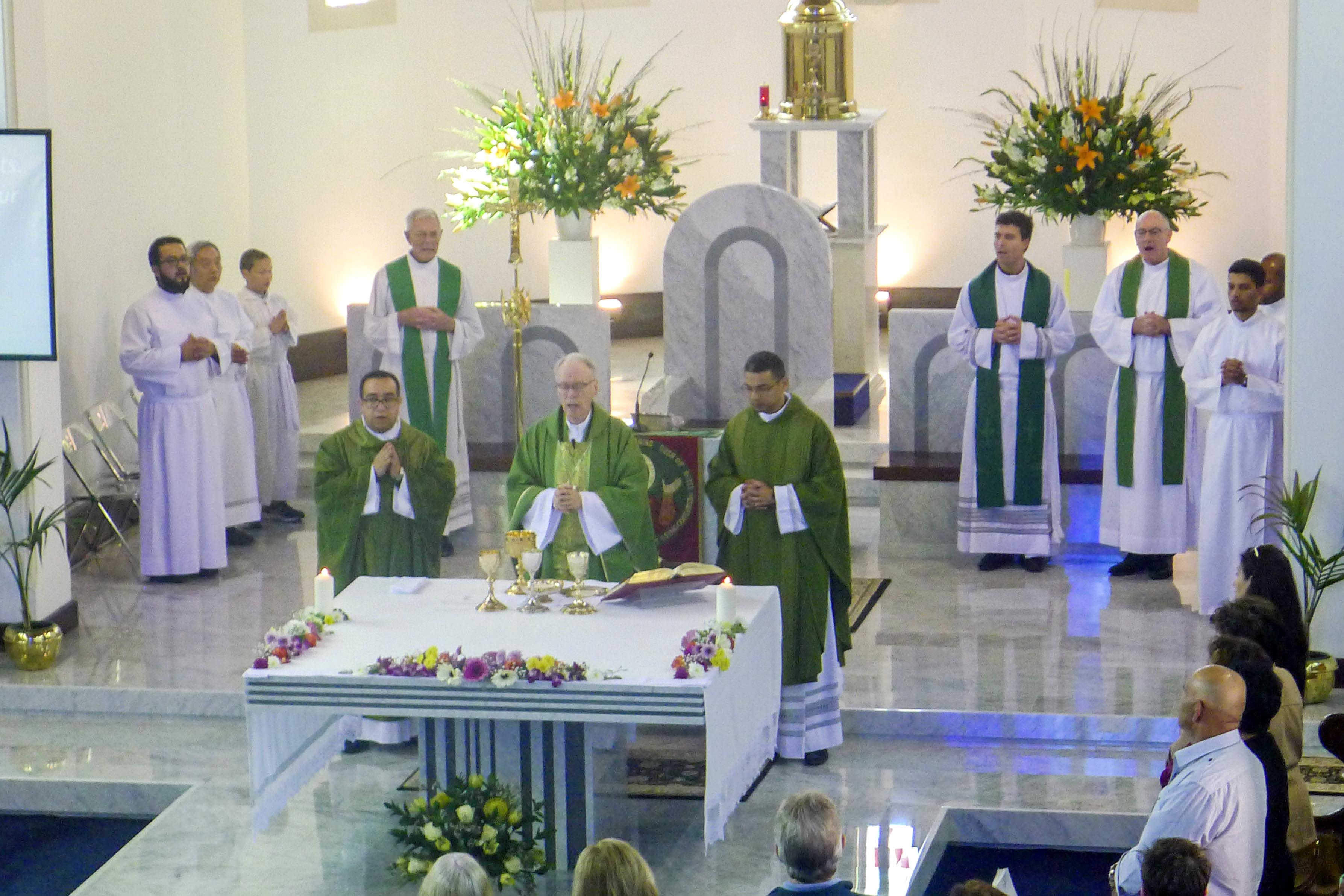 Auxiliary Bishop Don Sproxton has last weekend installed Fr Marcello Parra as the new Parish Priest of Cottesloe. Photo: Supplied.